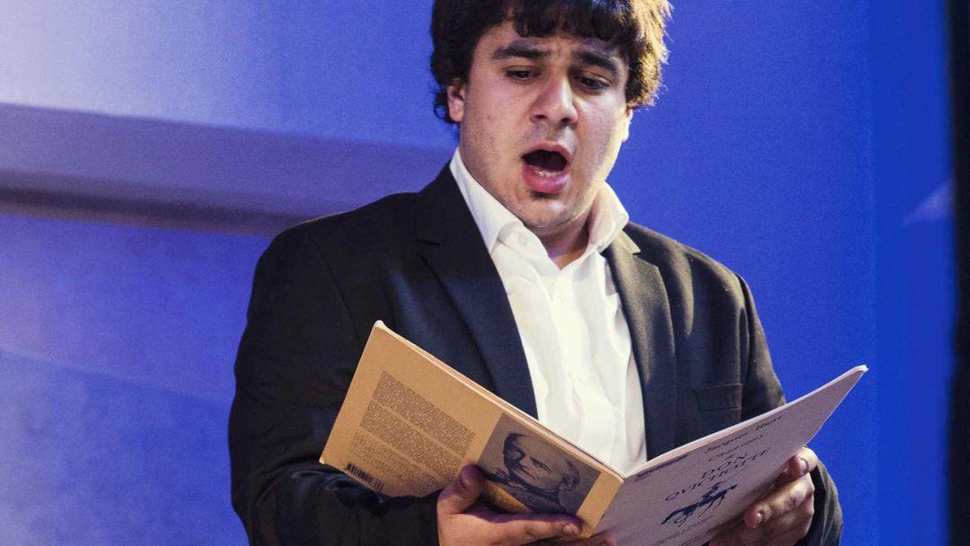 Philippe Huttenlocher dirige neuf jeunes chanteurs romands