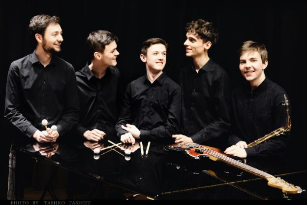 Concert au Palace – Magenta Limousine